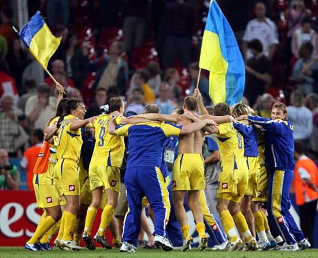 Сборная Украины выходит в четвертьфинал