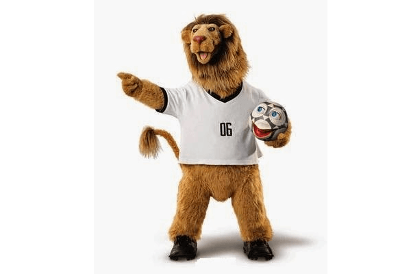 Талисманы чемпионата: лев Голиаф и говорящий мяч