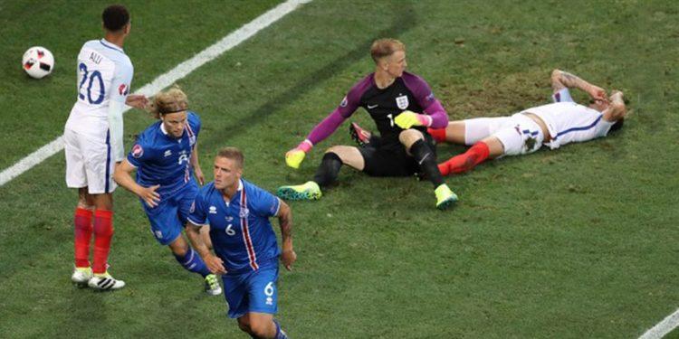 Исландлия побеждает Англию