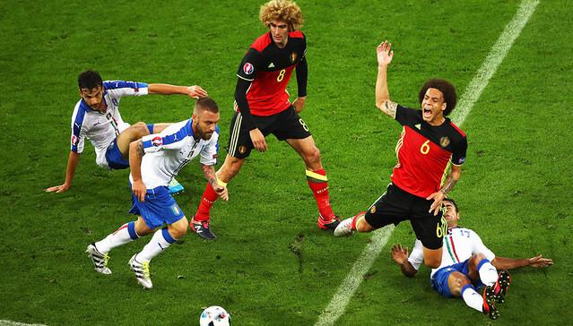 Матч сборных Италии и Бельгии