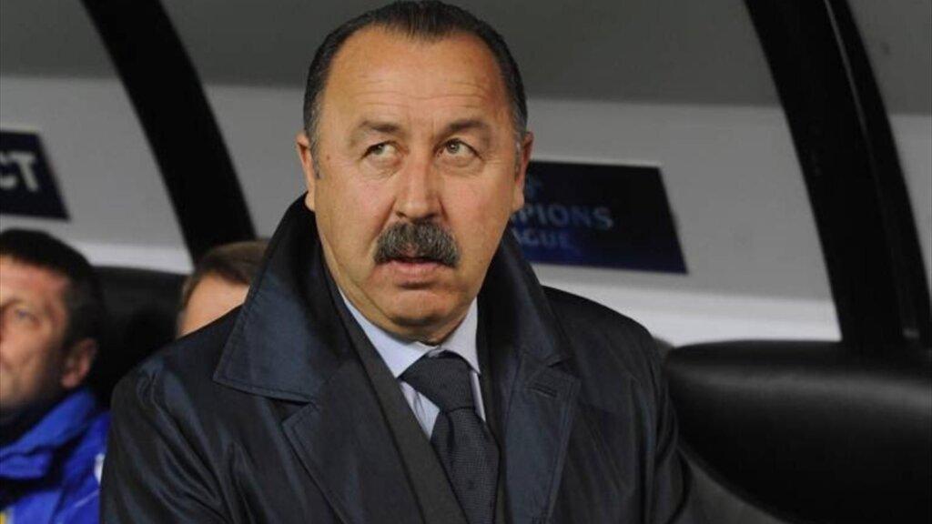 Тренер сборной России Валерий Газзаев
