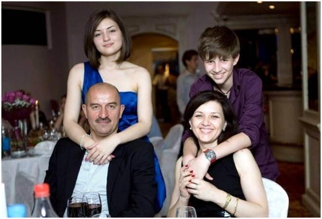 Станислав Черчесов: семья