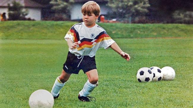 Великий немецкий футболист бастиан швайнштайгер