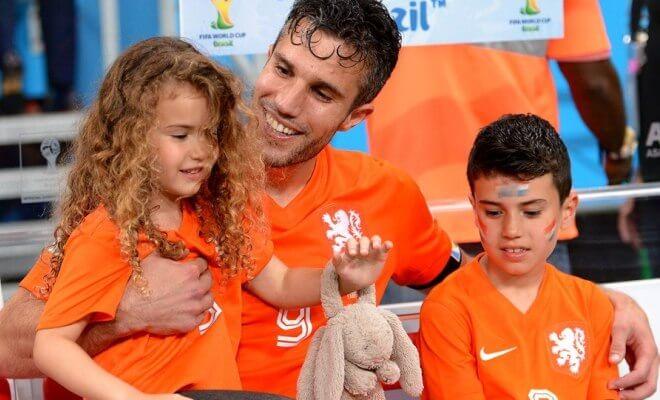 Робтн ван Перси с детьми