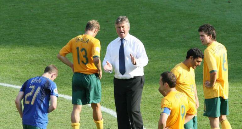 Главный тренер сборной Австралии Гус Хиддинк