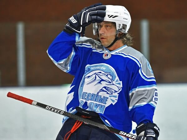 Александр Мостовой - хоккеист