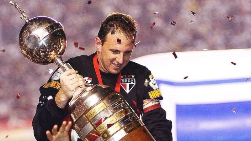 Обладатель Кубка Либертадорес Рожерио Сени