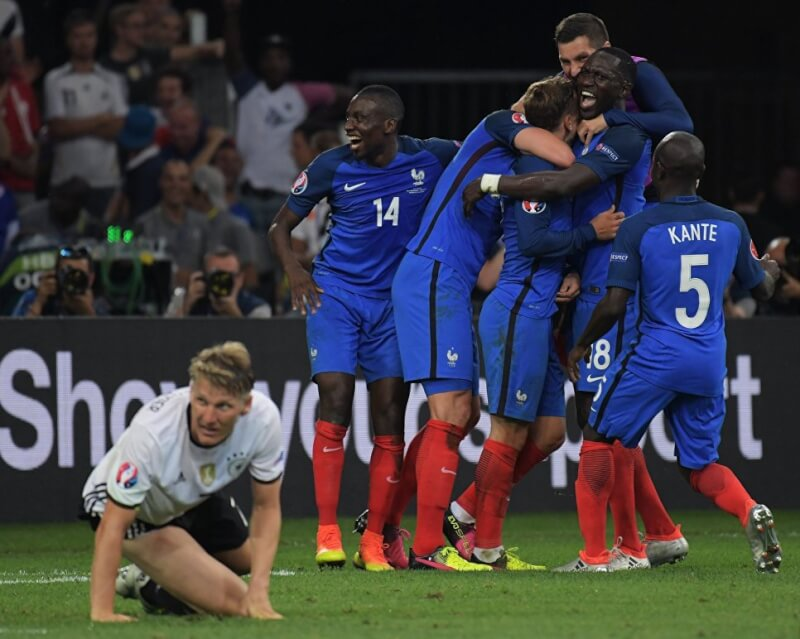 Топ-десятка матчей сборной Франции на чемпионатах Европы