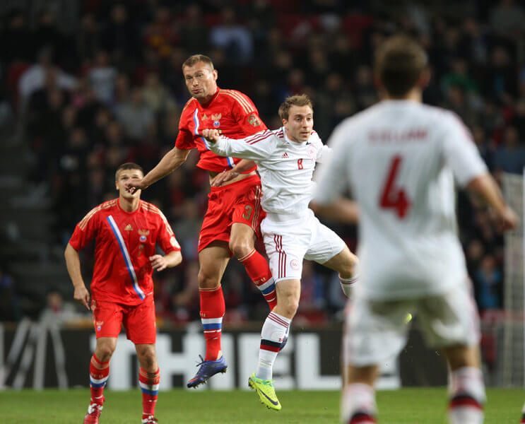 Футбольные противостояния: Россия - Дания