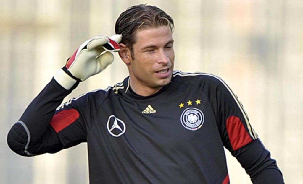 Вратарь сборной Германии Тим Визе