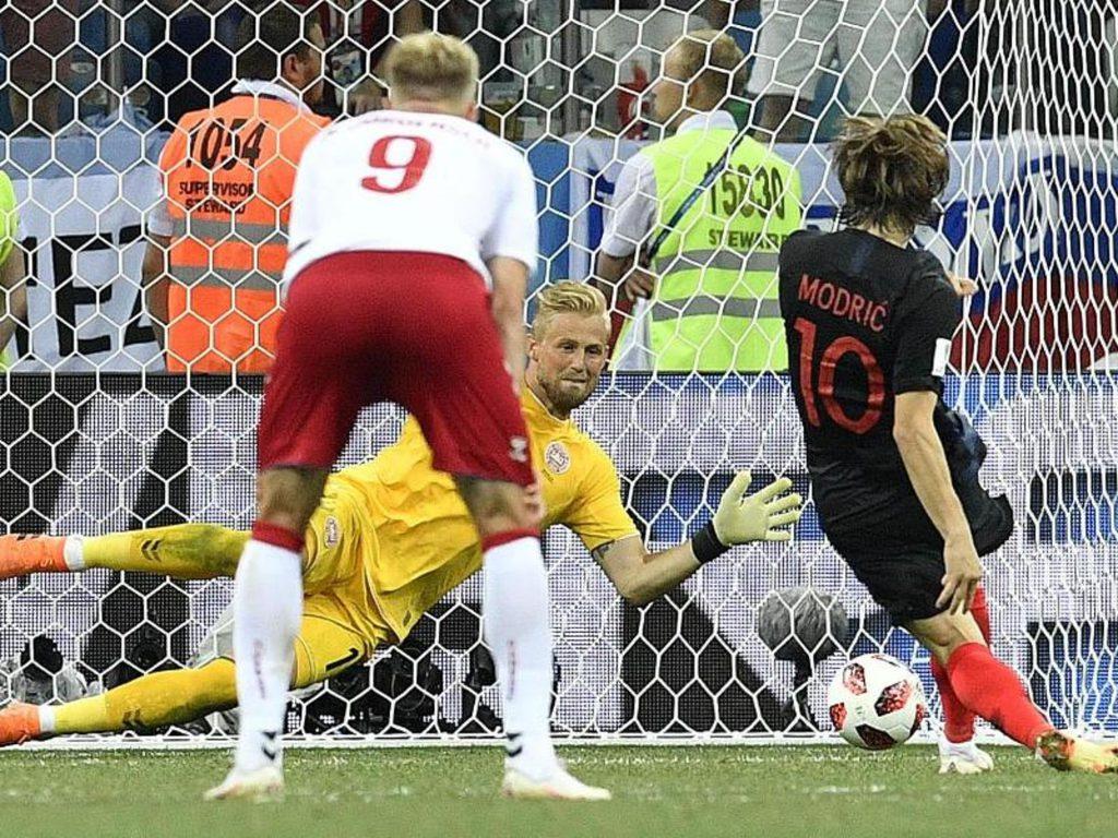 Дания - Хорватия: Шмейхель отбивает пенальти