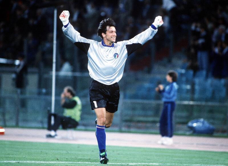 Вратарь сборной Италии Вальтер Дзенга