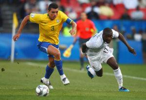 Лусио - капитан сборной Бразилии