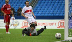 Дмитрий Хлестов в матче за ветеранов