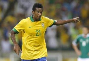 Футболист сборной Бразилии Жо