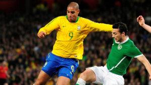 Футболист сборной Бразилии Адриано