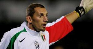 Вратарь сборной Италии Кристиан Аббьяти