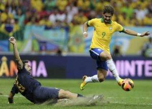 Футболист сборной Бразилии Алешандре Пато