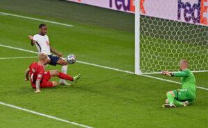 Евро-2020: Англия - Дания