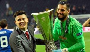 Победитель Лиги Европы Серхио Ромеро